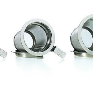 Teáskannába helyezhető teaszűrők alátéttel, különböző méretekben