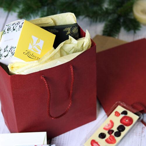 Zsinórfüles papír ajándéktasak - bordó - piros