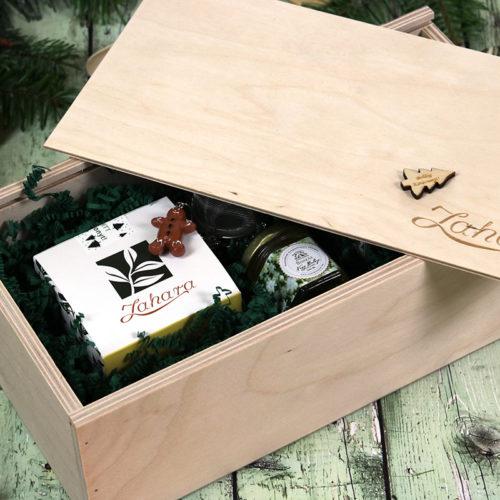 Fadobozos karácsonyi tea válogatás, méz és teatojás gasztroajándék csomag