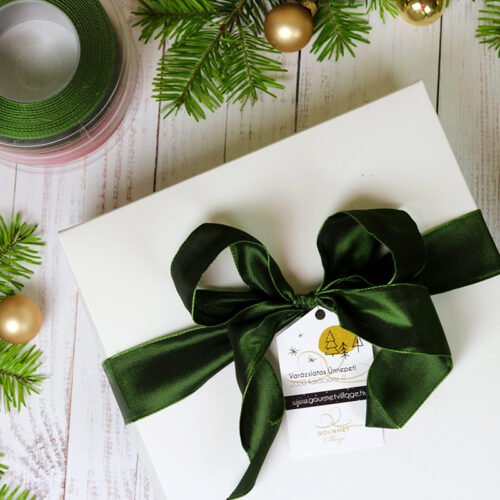 Karácsonyi ajándékcsomag, ajándékcsomagolás papír díszdobozban