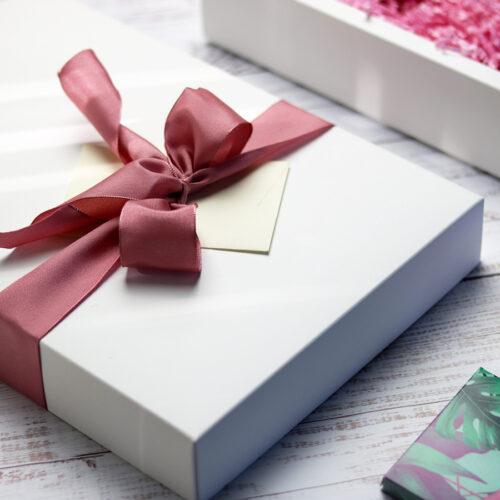 Vegán csokoládé ajándékcsomag nőknek
